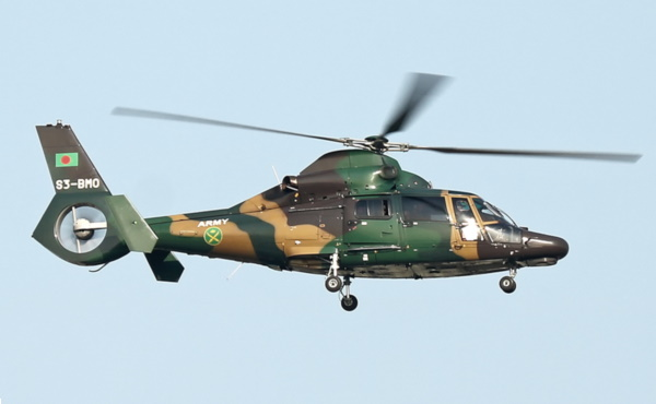 dolphin helicopter with Avdaufin on File Troops Carry Casualty to Blackhawk Helicopter MOD 45150649 also Avdaufin together with 2013 CHC Helicopters Eurocopter AS332 crash in addition Floridaisland also 555 Fennec.